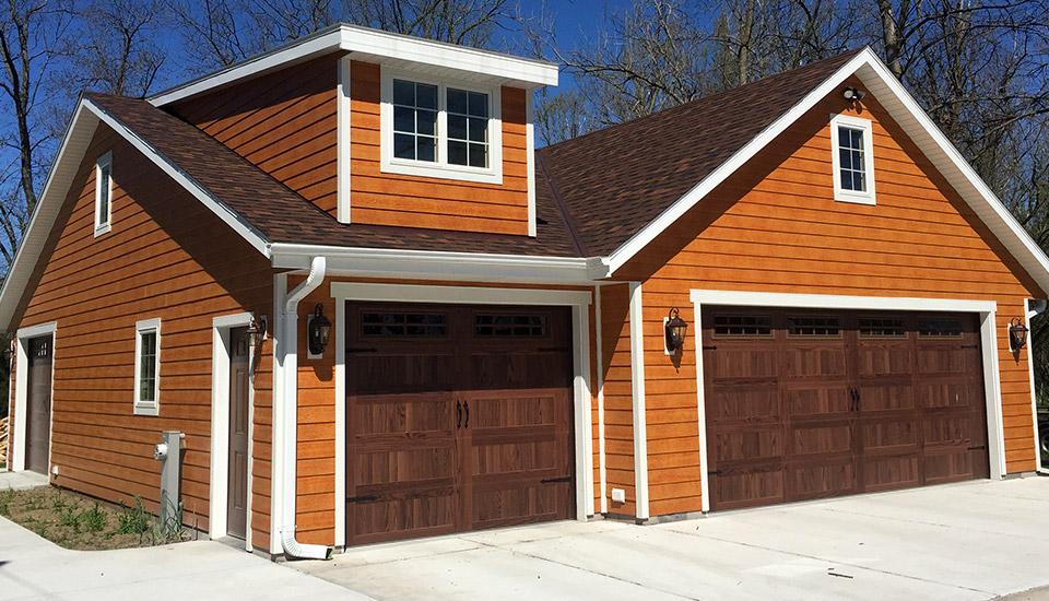 Hartland Custom Garage