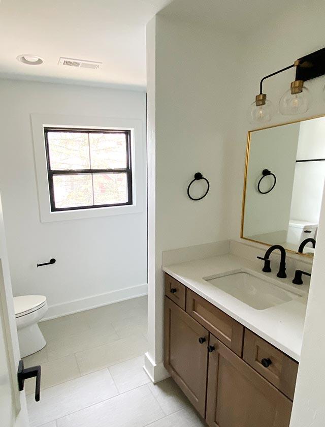 Elkhorn Lake House Bathroom